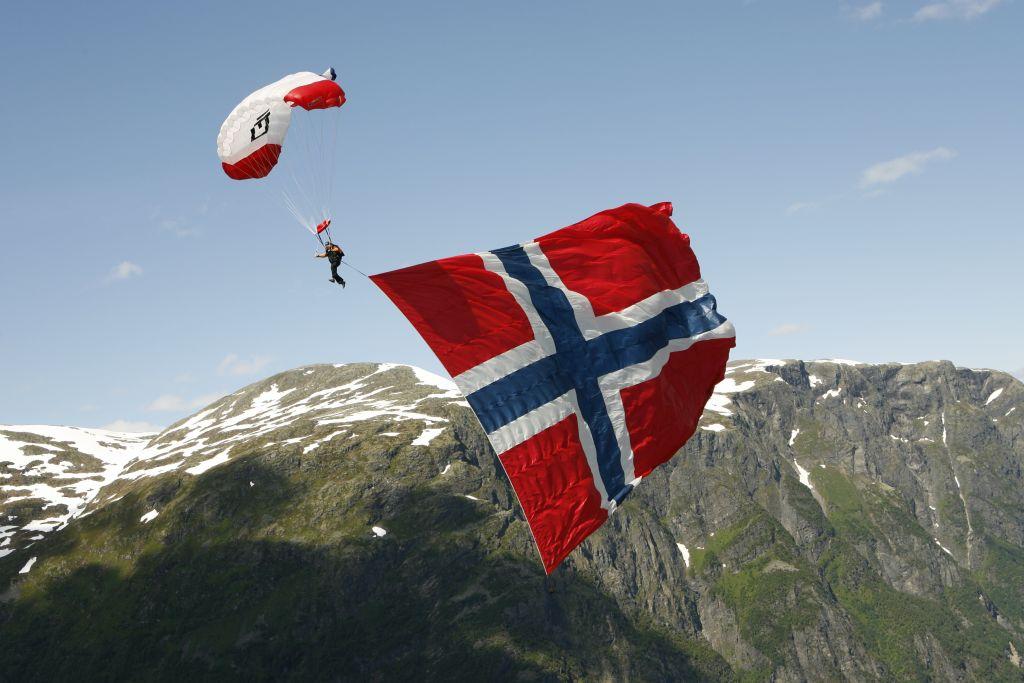 Paragliding-at-Voss-102008-99-0000_kleiner